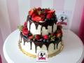 tort-marzenie-drip-cake-truskawki