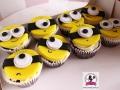 tort-marzenie-muffinki-minionki-2